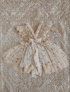 Star gazer – Cora and Violet Sewing Baby Clothes, Doll Clothes, 1st Birthday Outfits, Dream Baby, Baby Gown, Baby Wearing, Kids Outfits, Kids Fashion, Flower Girl Dresses