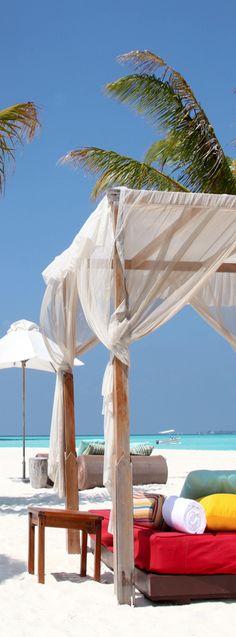W Retreat Spa & Resort Maldives @}-,-;--