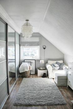 Dachschräge Mit Dachfenstern Schlafzimmer Wandgestaltung Dunkler Anstrich |  Интерьер | Pinterest