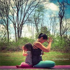 ★ Glamorous Green ★ Mother and Daughter Pair Impress with These Yoga Poses - Defying Gravity