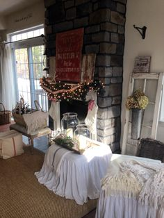 My fav room Cottage Christmas, Christmas Decorations, Ideas, Noel, Christmas Decor, Christmas Baubles, Thoughts, Christmas Ornaments