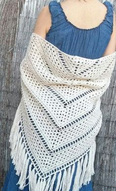 You will love the original combination of simple crochet stitches and delicate lacy look of this shawl. gives a UP in the visual Crochet Woman, Knit Or Crochet, Crochet Scarves, Crochet Clothes, Crochet Stitches, Crochet Hooks, Filet Crochet, Crochet Prayer Shawls, Crochet Shawls And Wraps