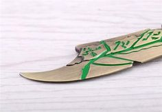 LEAGUE OF LEGENDS Riven The Exile Sword Keychain - Pica Collection