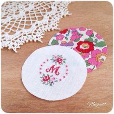 123 Cross Stitch, Cross Stitch Letters, Embroidery Thread, Cross Stitch Embroidery, Beaded Embroidery, Crochet Purses, Cross Stitching, Stitch Patterns, Needlework