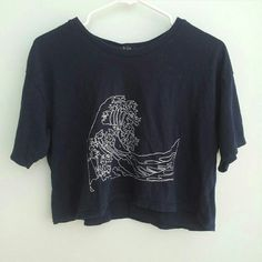 Brandy Melville wave crop top Navy blue, in great condition Brandy Melville Tops Crop Tops