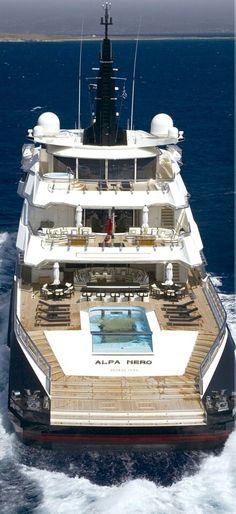 Fabulux Mega Yacht