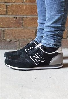 New Balance 420 Retro Black & Grey Suede Trainers £39.00