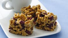 Banana Nut Cheerios® Energy Bars...(substitute choc chips for the kids school breakfasts)
