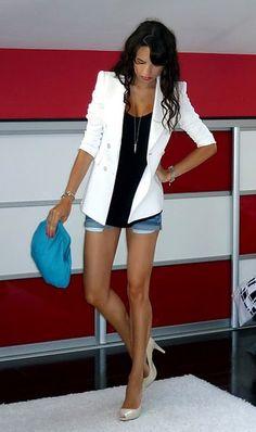 <3 need white jacket