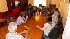 LOPEZ MANTUVO UNA REUNION CON LA CAMARA DE PROFESIONALES DE PUERTO QUEQUEN   Se abordaron temas de relevancia vinculados a la infraestructura y los serviciosEl encuentro se llevó a cabo en el despacho comunal donde se abordaron diversos temas relevantes y el intendente resaltó la importancia de generar puntos de encuentro con entidades locales. El Intendente Municipal Dr. Facundo López recibió a la Cámara de Profesionales de Puerto Quequén. Al encuentro concurrieron el Presidente de CAPROQ…