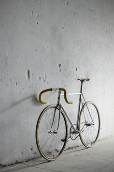 This just looks like a proper Italian track bike—Cinelli Supercorsa Pista 1983