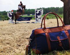 4 obstacles aux couleurs d'Aquila lors du CCE à Cognac ! #Prixaquila #CCE #Cognac #Legendre #Equitation #Concours #Elegance #sacdevoyage #sac #Aquila #AquilaParis
