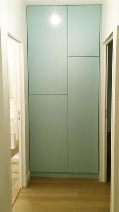 Create an aesthetic and original closet in its hallway with asymmetrical lines. Storage in corridor, with asymmetric lines for a perfect design home. Source by audeouh Closet Makeover, Storage Spaces, Bedroom Closet Design, Hidden Closet, Closet Designs, Closet Hacks Organizing, Storage, Closet Layout, Closet Nook