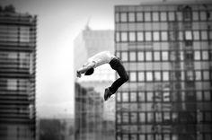 « Le destin n'est pas une chaîne mais un envol. Digital Photography School, Dance Photography, Motion Photography, Photography Projects, Photos Du, Cool Photos, Dancing In The Moonlight, Dance Images, Dance Pictures