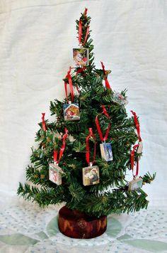 christmas trees miniature trees on pinterest bottle brush trees christmas trees and tree toppers. Black Bedroom Furniture Sets. Home Design Ideas