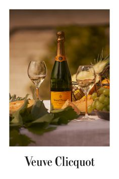 Idée Cadeau : Champagne Veuve Clicquot, Click web site other content Veuve Clicquot, Cooks Illustrated Recipes, Champagne, Paper Doll House, Beauty Illustration, Color Palate, Wine And Spirits, Food Illustrations, Illusions