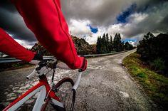 A kerékpározás jótékony hatásainak folytatásaként jöjjön még néhány gondolat és néhány tanács a megfelelő kerékpár kiválasztásához, ha épp most döntenénk úgy, hogy beszerezzük.