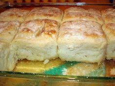4 cups Bisquick     1 cup sour cream     1 cup 7-up     1/2 cup melted butter        How to make it :                      Mix bisqui...