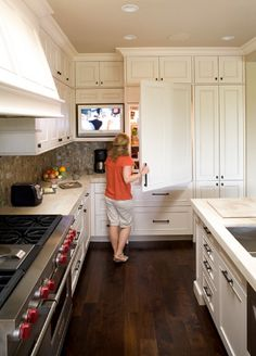 Orinda Cabinets - traditional - kitchen - san francisco - Mueller Nicholls Cabinets and Construction Tv In Kitchen, Kitchen Decor, Kitchen Inspirations, Home Tech, Kitchen Redo, Home Kitchens, Traditional Kitchen, Kitchen Design, Kitchen Remodel