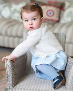 Princesa Charlotte, filha mais nova de Kate Middleton e do príncipe William (Foto: Reprodução / Instagram)