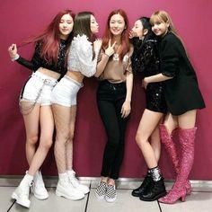Kpop Girl Groups, Korean Girl Groups, Kpop Girls, Kim Jennie, Yg Entertainment, Girl Celebrities, Celebs, K Pop, Blackpink Debut