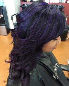 Impressive Purple Hair Color With Black and Stylish Dark Purple Hair Color Ideas — Destined To Mesm Purple Hair Streaks, Dark Purple Hair Color, Dyed Hair Purple, Hair Color Balayage, Hair Color For Black Hair, Cool Hair Color, Brown Hair Colors, Hair Highlights, Dark Hair