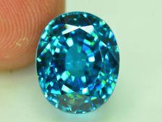 Buy Gemstones, Minerals And Gemstones, Rocks And Minerals, Jewelry Design Drawing, Gem Diamonds, Diamond Simulant, Rocks And Gems, Lab Created Diamonds, Blue Zircon