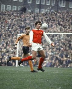 Arsenal 2 Wolves 1. Dec 1970. Ray Kennedy controls the ball at Highbury #Div1