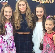 Willow Shields with Kendall Vertes, Maddie Ziegler and Mackenzie Ziegler