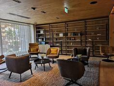 Urlaub gewinnen: Auszeit in der HOCHKÖNIGIN - The Chill Report Das Hotel, Mountain Resort, Hotel Reviews, Hotels, Conference Room, Divider, Salzburg, Furniture, Home Decor