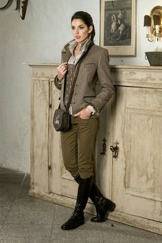 Jean Outfits, Cool Outfits, Fashion Outfits, British Country Style, German Girls, Fairy Clothes, Country Fashion, Hunting Clothes, Classic Style Women