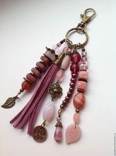 Купить Брелок подвеска на ключи или сумку из чешского стекла - коралловый, брелок, подвеска