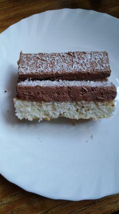 Kokosové rezy 2... Vanilla Cake, Desserts, Food, Tailgate Desserts, Deserts, Essen, Postres, Meals, Dessert