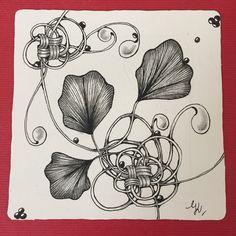 Tangle Gingo meets Mak-rah-mee #zentangle #tangles #tangled #czt #hobby #zentangletile #meditatie #mindfulness #heartfulness #creatief Tangle Doodle, Tangle Art, Doodle Art, Zentangle, Tangled, Doodles, Mindfulness, Atelier, Zentangle Patterns