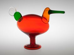** Oiva Toikka, Iittala, Nuutajärvi, Finland. Glass Bird. Bird Design, Glass Design, Design Art, Mosaic Glass, Glass Art, Glass Birds, Antique Shops, Hurricane Glass, Bird Art