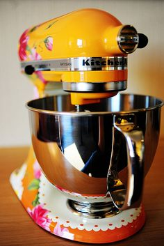 I want this mixer so I can gift it to my Ma! She'd love it!