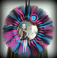 Hey, I found this really awesome Etsy listing at http://www.etsy.com/listing/151993679/monster-high-inspired-tutu-wreath