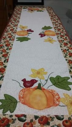 Nice fall table runner.