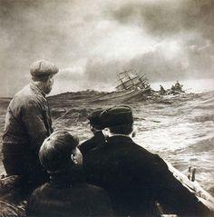 ships at sea    Think North
