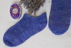 www.wool-and-good-company.de  Vintage Style sneakersocks with Meshpattern and picot hem.