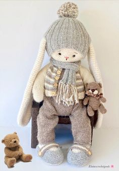 Crochet Teddy, Overalls, Bunny, Teddy Bear, Hats, How To Wear, Handmade, Clothes, Outfits