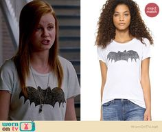Norrie's bat tee on Under the Dome.  Outfit Details: http://wornontv.net/36271/ #UndertheDome