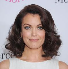 The 30 Hottest Medium Length Hairstyles: Bellamy Young's Wavy Shoulder Length Hair