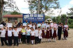 Landa de Matamoros, Qro. 14 de octubre de 2016.- Durante una gira de trabajo por las comunidades de La Reforma...