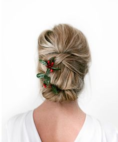 It's the busiest time of the year with endless parties and events to attend. Paying to have your hair done isn't always an option and adds up so why not do your own 'do. It's easier than you think. Here's how in a few simple steps… Bob Hairstyles With Bangs, Hairstyles For Round Faces, Bride Hairstyles, Trendy Hairstyles, Dance Hairstyles, Winter Hairstyles, Christmas Party Hairstyles, Special Occasion Hairstyles, Hair Falling Out