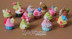 Wonderlang cupcakes by theredprincess on DeviantArt