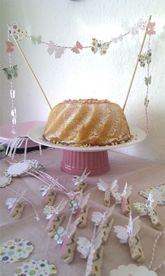 butterfly cake bunting - could do the ruffle cake with butterfly bunting!