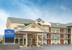 Baymont Inn & Suites Hotel in Sevierville Tennessee, Pigeon Forge TN Hotel Sevierville Tennessee, Sister Cities, Smoky Mountain National Park, Beautiful Hotels, Great Smoky Mountains, Lodges, Entrance, National Parks, Mansions