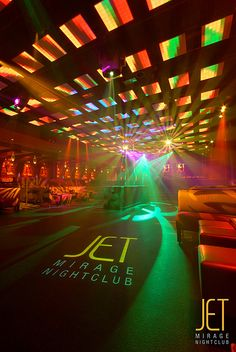 The lighting system and grid over the dancefloor at JET Nightclub inside Mirage Resort and Casino in Las Vegas, Nevada Nightclub Bar, Nightclub Design, Las Vegas, Night Club, Night Life, Vegas Party, Lounge Design, Tecno, Ceiling Design