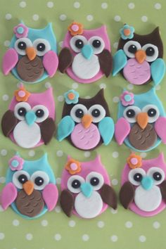 12 Fondant cupcake toppersowls by PastelFiesta on Etsy Fondant Cupcakes, Fondant Toppers, Cupcake Cookies, Fondant Butterfly, Fondant Flowers, Fondant Figures, Owl Cakes, Polymer Clay Crafts, Clay Creations